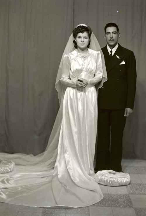 Retrato de recién casados en estudio (atribuido)